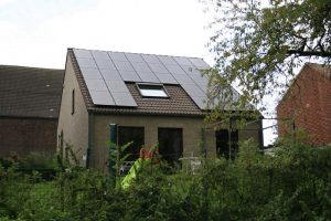 With the price of solar panels having dropped substantially, it's much cheaper to become more energy self-reliant. I spotted this house while on a trip to Belgium.